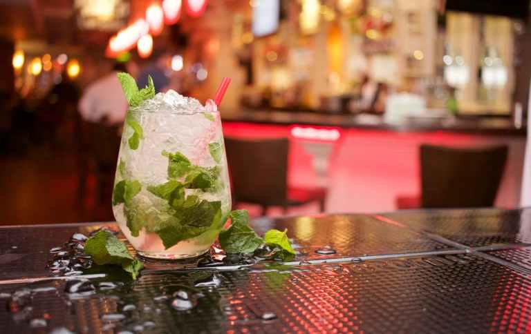 alcohol alcoholic bar beverage